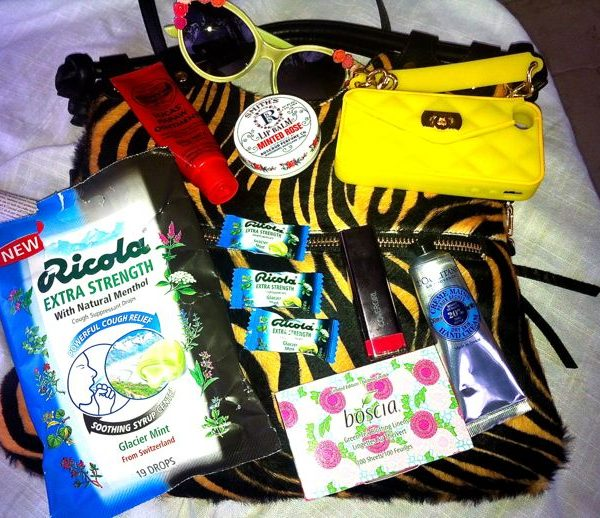 Sponsored Giveaway: What's in My Purse This Winter? (Win a $100 VISA Gift Card)