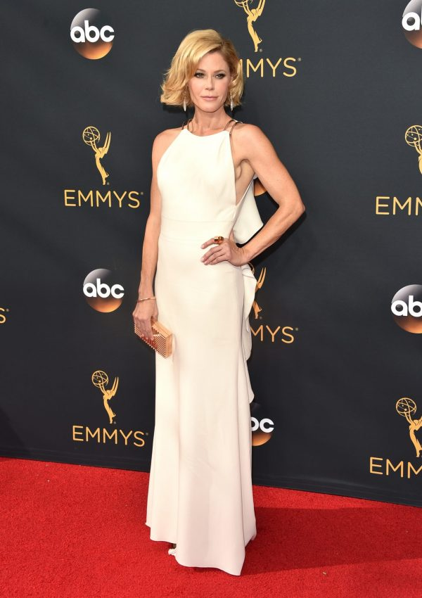 2016 Emmy Awards, Julie Bowen