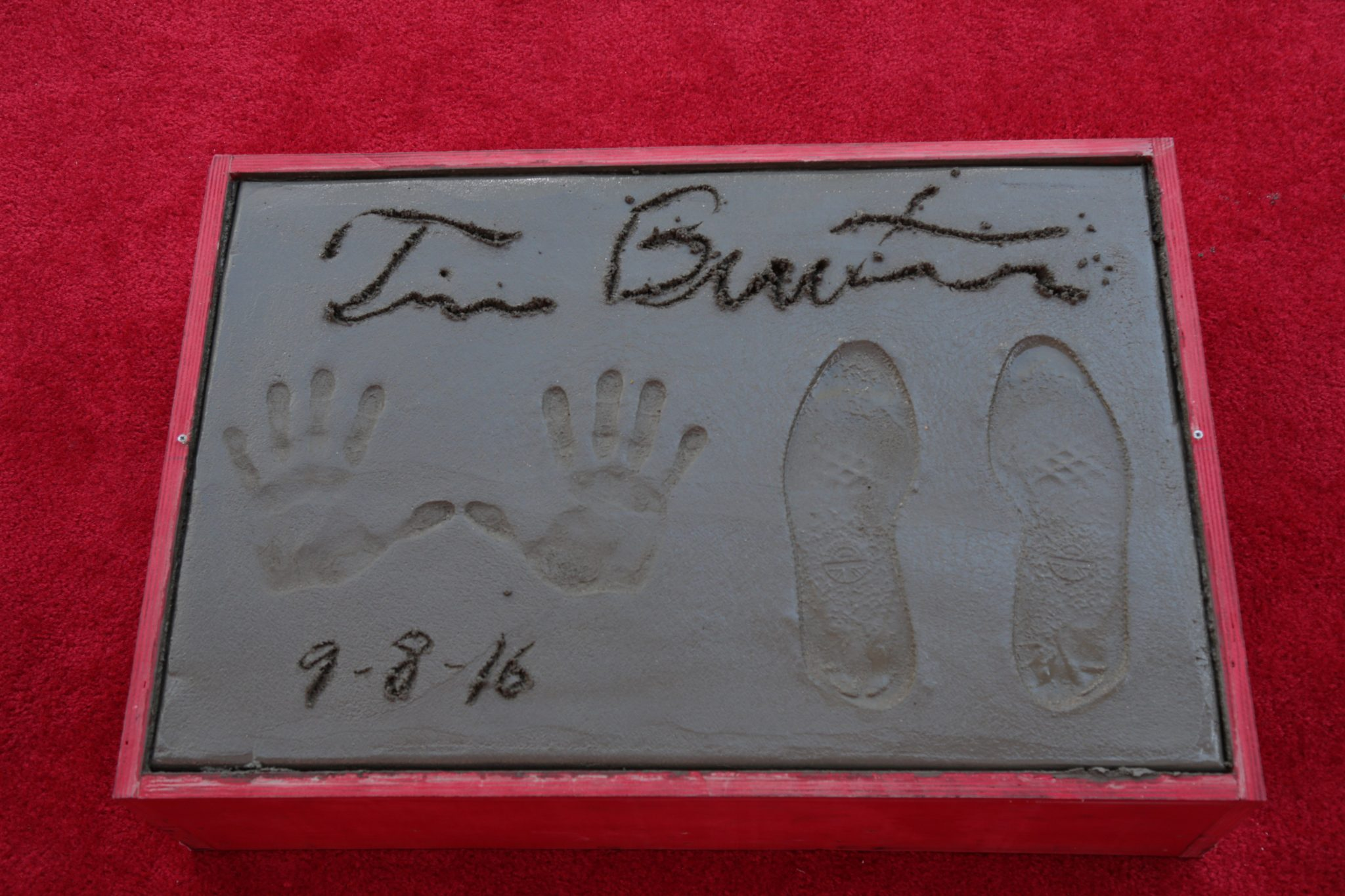 tim burton, hollywood, chinese theater hand prints, movie