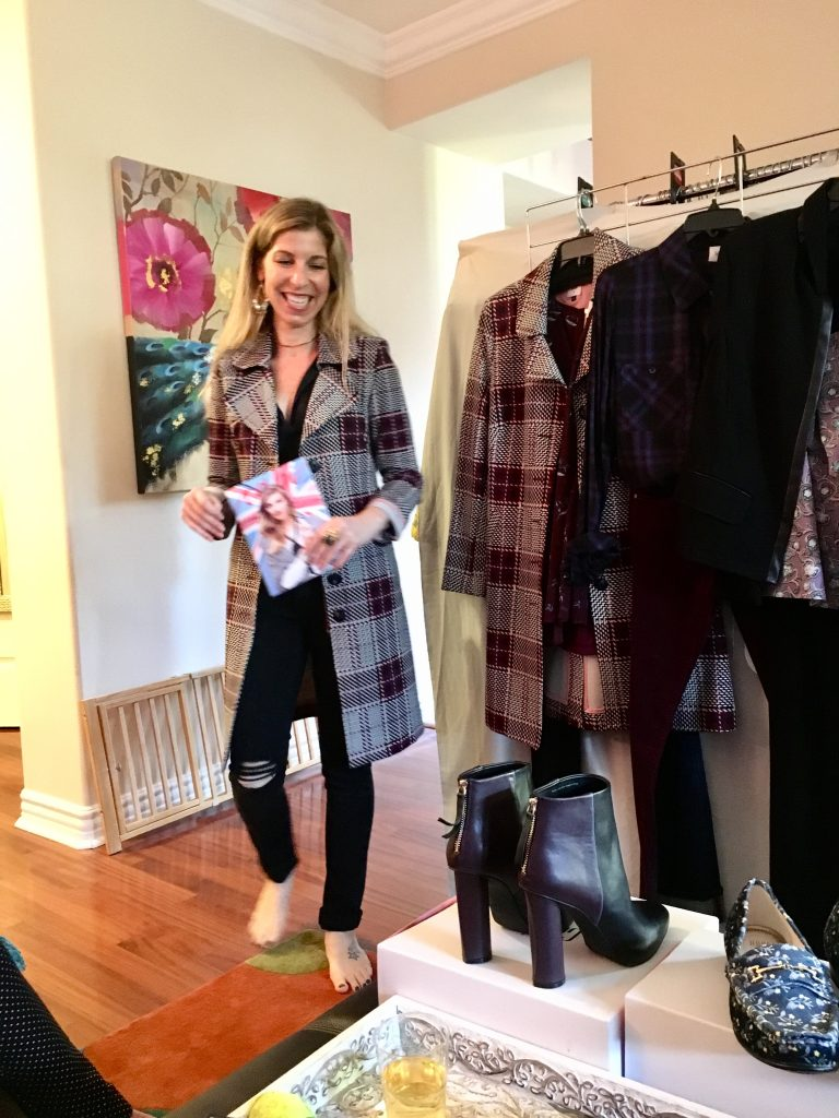 I recently attended a Cabi Fashion Experience & it was one of the most fun, relaxing and empowering shopping experiences that I have ever had. Let me tell you why