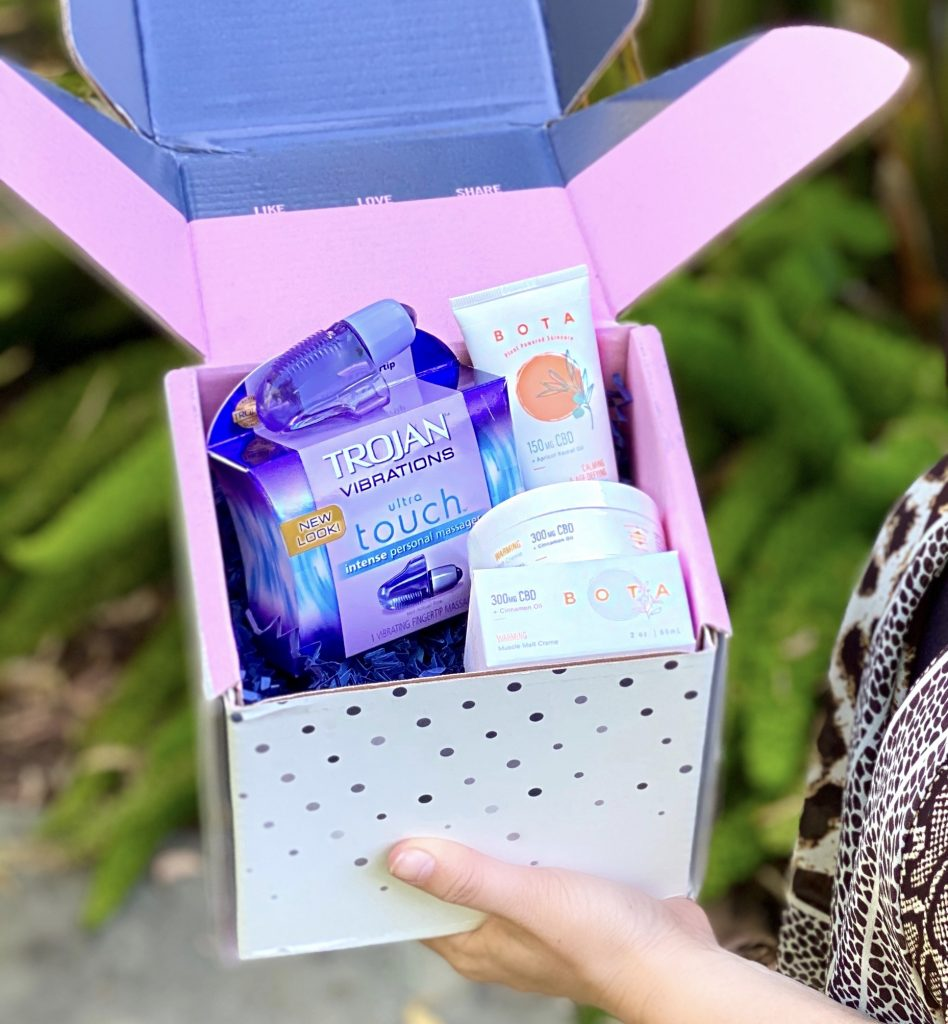 Given all the stress that we are dealing with now, I'm delighted to partner with BabbleBoxx and share products that will help you relax & unwind this summer